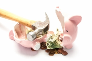 broke-piggy-bank-640x427