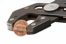 Pinching-pennies_16-Feb-2015